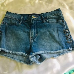 Hollister jeans short size 5